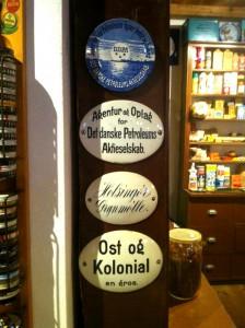 Gamle porcelænsskilte - fra Egeskov Købmandsmuseum - IKKE til salg!